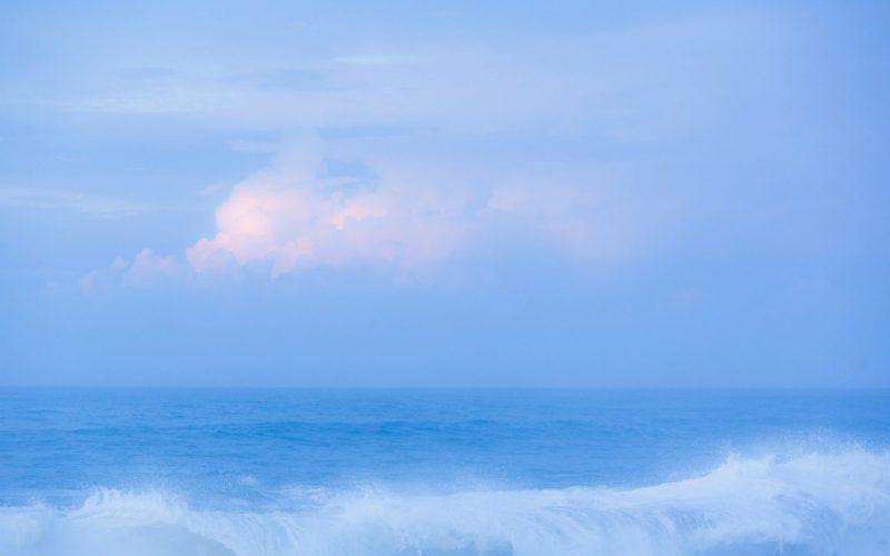 Ocean-Vibrant-Blue-2048x1365