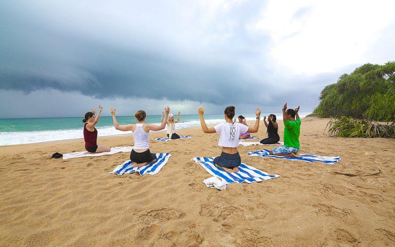 beach-yoga-sea-kundalini